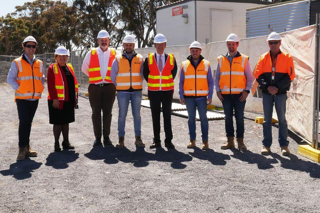 L-R: Site Engineer Billy Dando, TAC Samantha Cockfield, Regional Roads Victoria Bryan Sherritt, Snr Project Engineer Elias Contopoulos, Minister Luke Donnellan, Site Engineer William Stansen, Project Manager Matthew Willis, and General Supervisor Greg Davies.